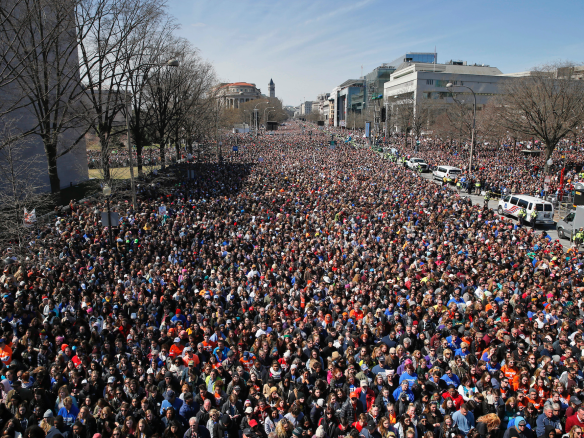 21fcb__organizers-estimated-that-roughly-800000-people-turned-up-to-the-main-event-in-dc
